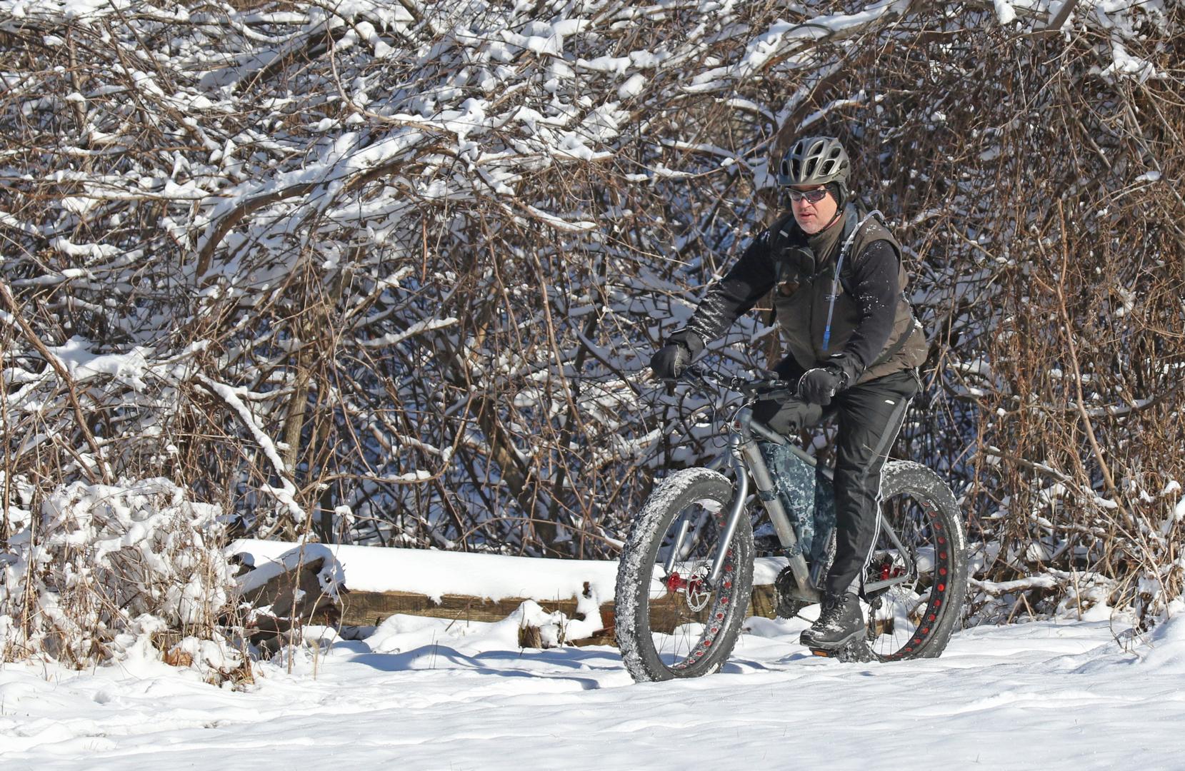 1080_chr_rider-on-snowie-mountain-bike-trail_d-bissonette