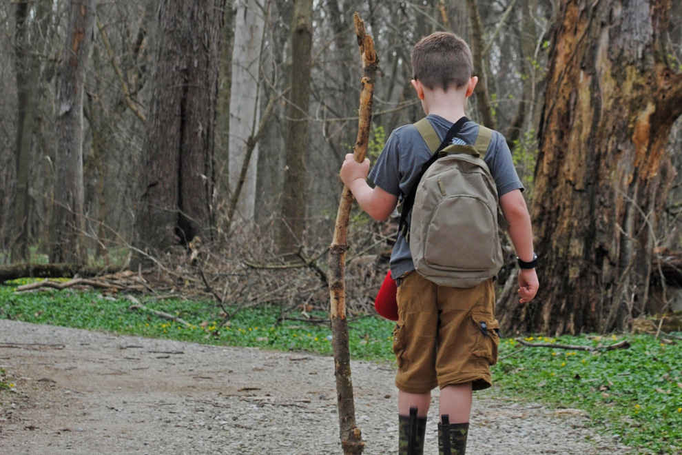 Young backpacker on the REI River Trail at Scioto Grove. Photo by Geoff Hamilton.
